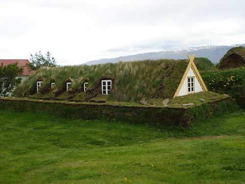 turf-house-public-domain